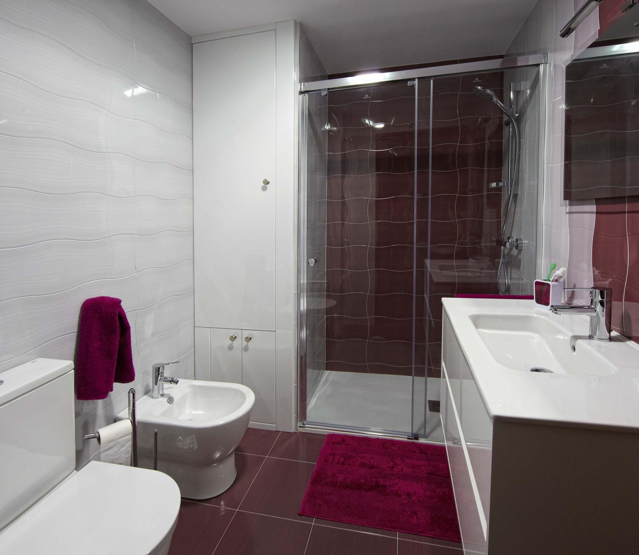 Reformas pisos casas y cocinas en tarragona reus for Diseno de habitacion con bano y cocina