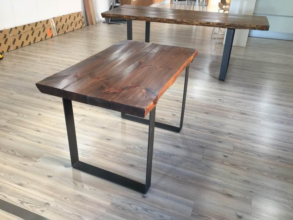 Mesa de comedor y cocina tallada en madera maciza y estructura ...